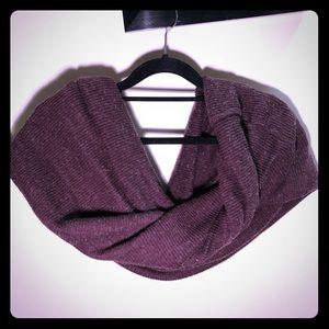Sale💫Useful scarf dark red